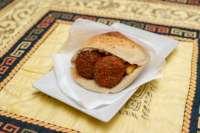 Ali Baba Gyros | Falafel pitában | Menu24.hu