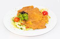 Joyces Irish Pub   Rántott óriás sertés szűz friss kevert salátával sült burgonyával   Menu24.hu