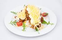 Joyces Irish Pub   Lepcsánka bundás csirkemell sajttal, tejföllel és kukoricás rizzsel   Menu24.hu