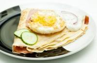 40es Palacsintázó | Ham and eggs (weighs half a kilo) | Menu24.hu
