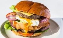 40es Palacsintázó | FÉLkilós Duplahúsos hamburger tojásos | Menu24.hu