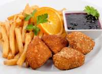 Station Bistro | Breaded Camembert Cheese with French Fries and Blueberries sauce | Menu24.hu