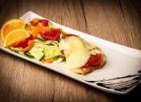 Before Bar | GROSSETO CHICKEN WITH FRESH VEGETABLES SALAD | Menu24.hu